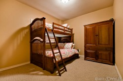 Downstairs bedroom 2 with 1 full and 1 twin size bunk bed